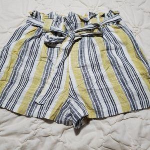 Large paper bag linen blend shorts